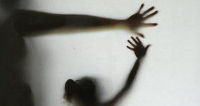 Homem é preso suspeito de praticar abusos sexuais contra enteada de 13 anos