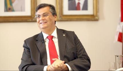 Mais da metade dos prefeitos maranhenses apoiam Dino, diz Folha
