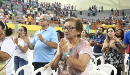 Rebanhão reúne fiéis no Ginásio Castelinho