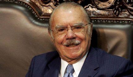 Sarney transfere domicílio eleitoral para São Luís