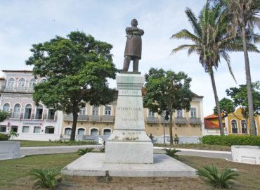 Estátua de Benedito Leite será restaurada em praça de São Luís