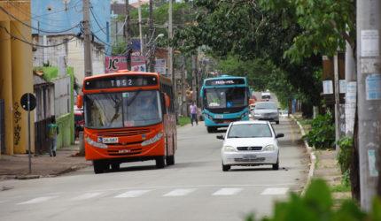 Passageiro de ônibus morre com tiro na cabeça após assalto em São Luís