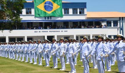 Marinha anuncia concurso para Escola Naval