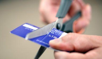 5 dicas para sair das dívidas e guardar dinheiro