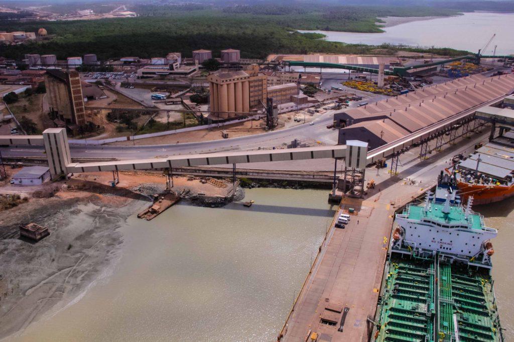 A PF cumpriu três MBA na capital maranhense: um no Porto de Itaqui, outro na residência do Coordenador de Projetos da EMAP e o terceiro na residência do Diretor de Engenharia da EMAP.