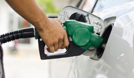 Preços da gasolina e do diesel reduzem pela terceira vez