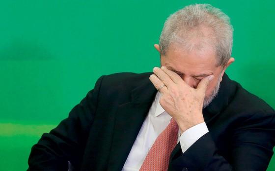Advogados de Lula dizem que ele pode ser preso nas próximas horas