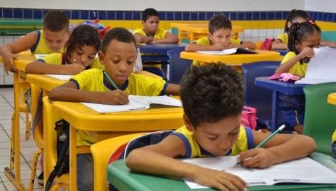 Pediatra alerta para cuidados com as crianças na volta às aulas  bc88e3c0d4501