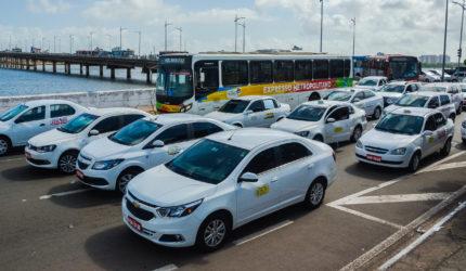 Em protesto, taxistas decidem fazer corridas por R$ 5,00 nesta sexta-feira