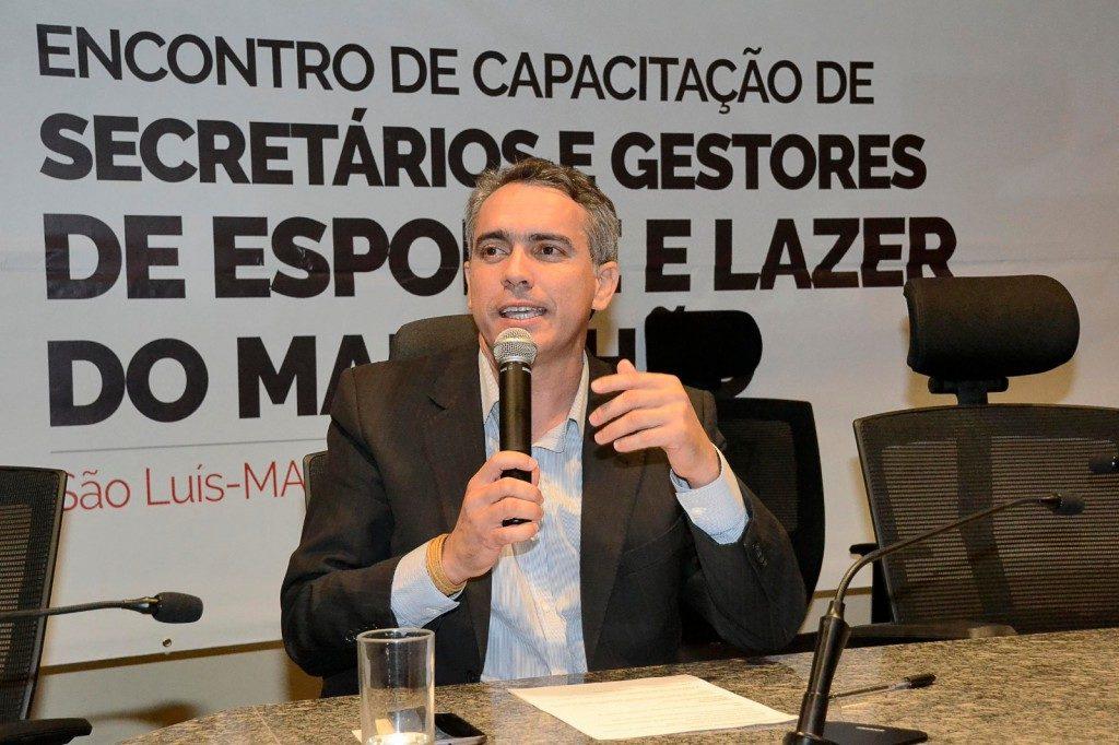 Secretário Márcio Jardim.