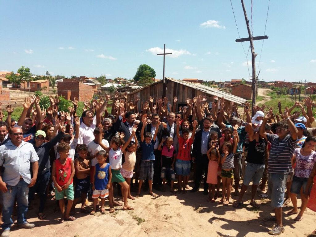 Mais de 2 mil famílias reivindicam permanência na comunidade Bom Jesus, em Imperatriz.