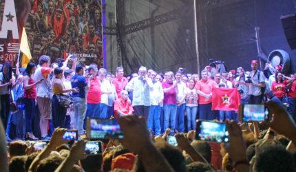 Após elogio a Sarney, Lula visita o Maranhão com Dino