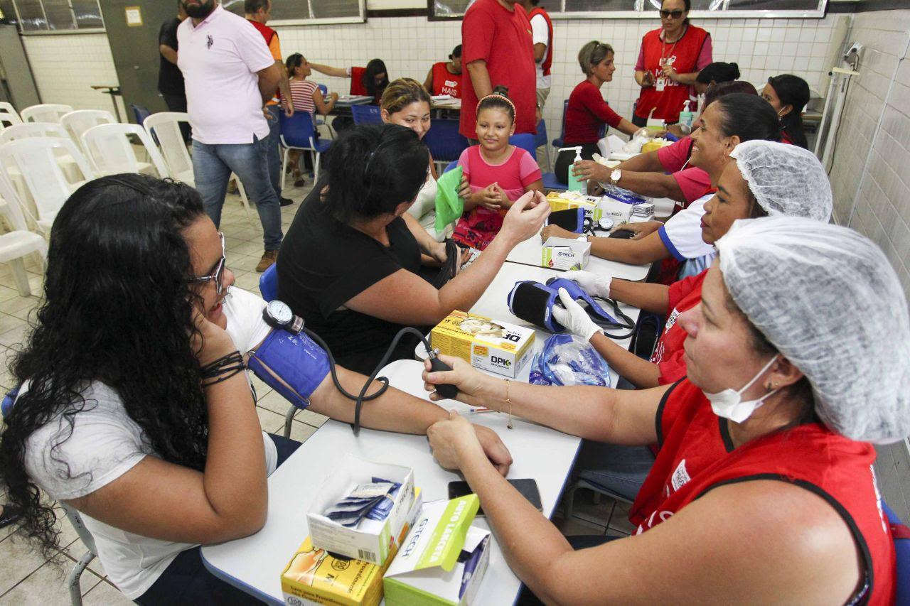 Comunidade do bairro Anjo da Guarda aproveitou os diversos serviços de saúde oferecidos pela segunda edição do Mais Saúde na capital
