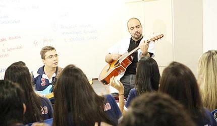 Dia do Professor: Mestres nada tradicionais