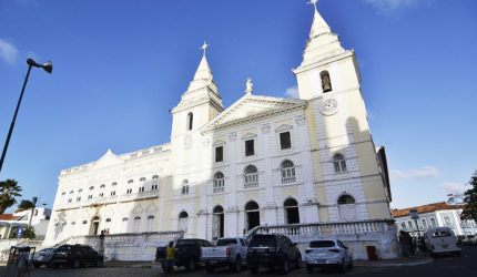 Festejo na Igreja da Sé em homenagem a padroeira da capital