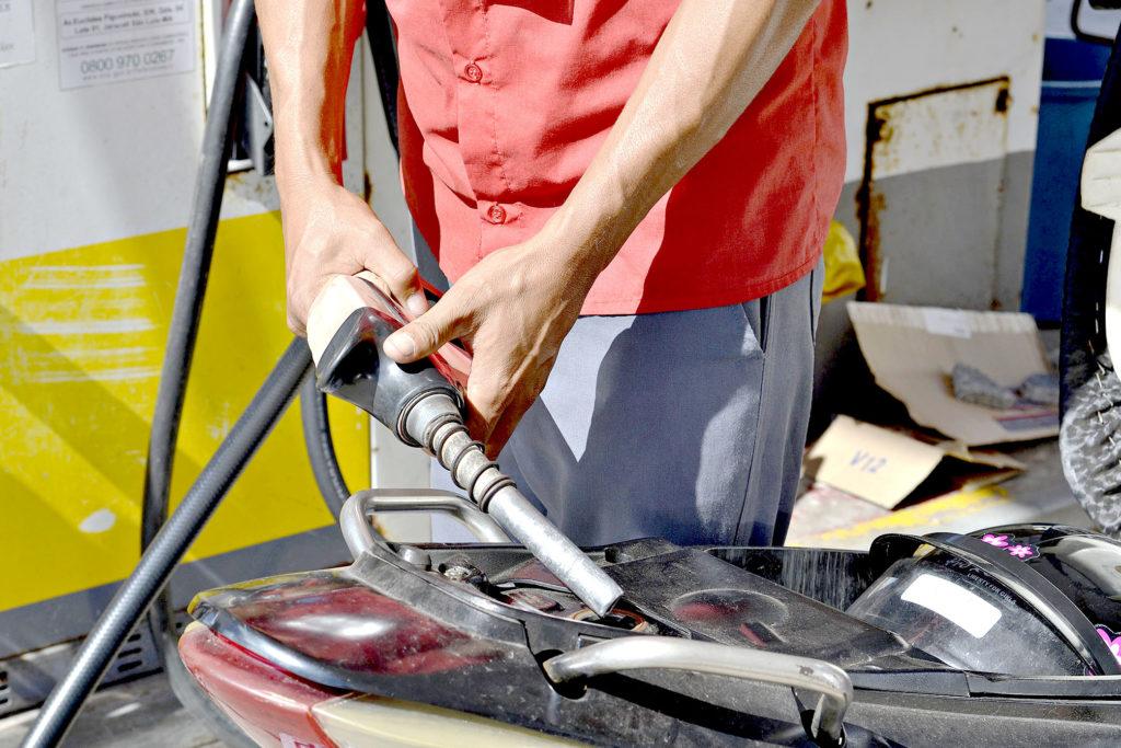 Gasolina e do diesel tem novos reajustes nas refinarias; confira