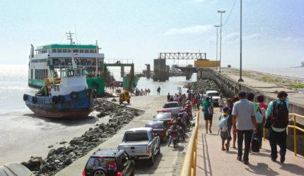 Ferryboat para a baixada já está lotado