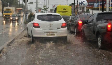 7 cuidados com seu carro durante chuvas