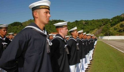 Carreira Militar: Mais de 1.200 vagas abertas na Aeronáutica e Marinha
