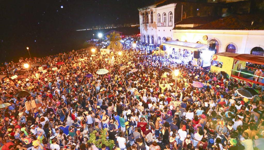 multidao carnaval de sao luis beira mar bloco do baleiro