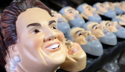 Mascaras de políticos são pouco procuradas nesse carnaval