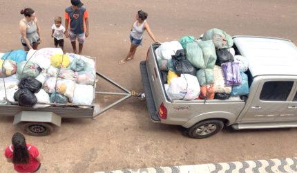 Moradores de Tuntum lutam para seguir a vida com doações após inundação