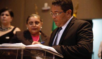 """""""Sou a favor da regulamentação"""", afirma Sá Marques sobre PL do Uber"""