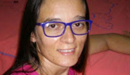 Mulher é morta a facadas na frente dos filhos no interior do estado