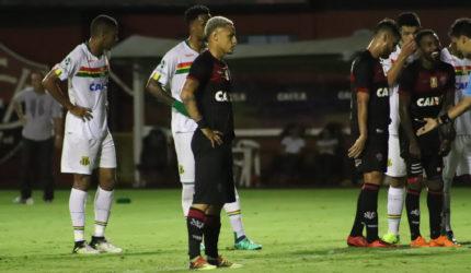 Sampaio Corrêa elimina o Vitória e está na semifinal do Nordestão