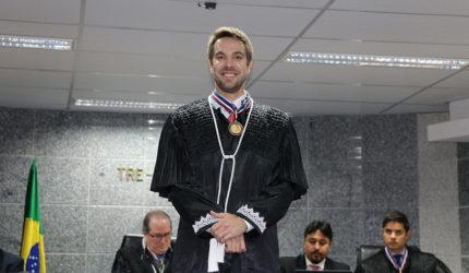 Gustavo Araujo Vilas Boas assume como membro efetivo do TRE