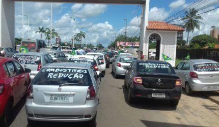 Ubers bloqueiam entrada de São Luís