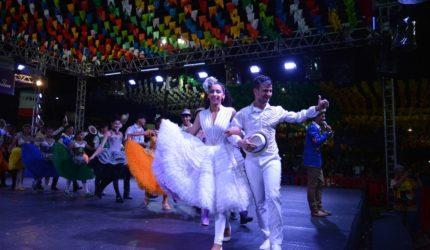 Desfile de quadrilhas abre arraial da Beira Rio em Imperatriz