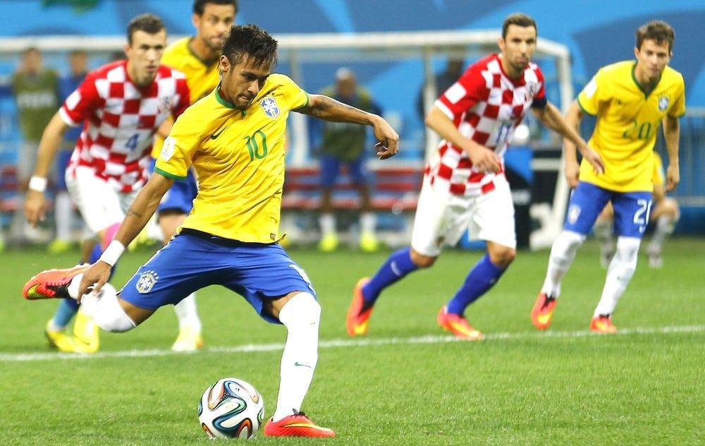 Resultado de imagem para imagens Brasil vence Croácia por 2 a 0 com atuação de Neymar e Firmino