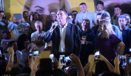 """Eu não falo o que o povo quer, eu sou o que eles querem"""", afirma Bolsonaro"""