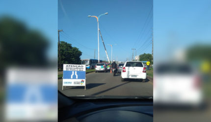 Obras de reparo em sub-adutora deixam trânsito parado em São Luís