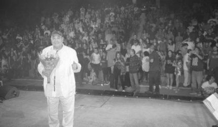 """Plateia interrompe show de João Donato para cantar """"parabéns pra você""""; festival termina hoje"""
