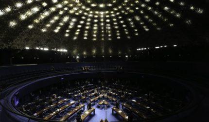 OPINIÃO: Senadores quem puder; candidatos tentam viabilizar vitória nas urnas