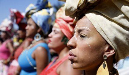 Coletivo de Mulheres Negras apresenta show 'Ousadia das Mulheres'