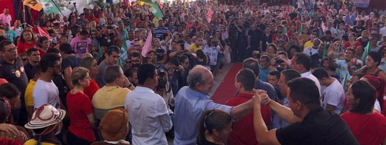 No interior do Maranhão, Ciro compara Bolsonaro a Hitler