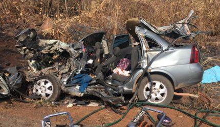 Grave acidente na BR-010 causa morte de três pessoas da mesma família