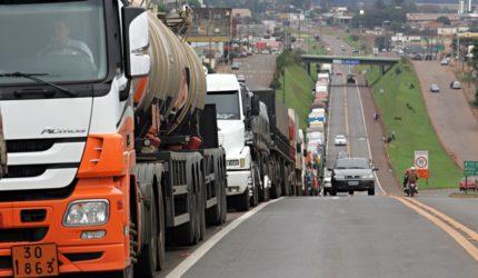 União dos Caminhoneiros promete nova greve após o feriado