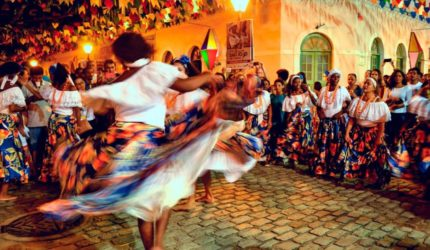 Tambor de crioula para comemorar o dia de Santa Luzia