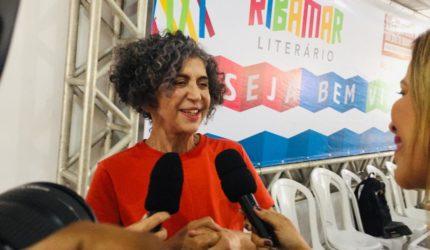 Professora Dad Squarise dá o tom na abertura do Ribamar Literário