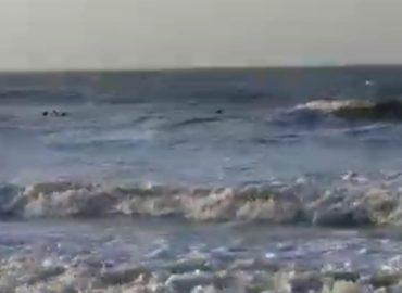 Kitsurfista e banhistas são resgatados do mar no Araçagi