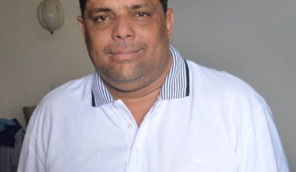 Justiça Eleitoral faz busca e apreensão na casa de Carioca e em mais dois endereços