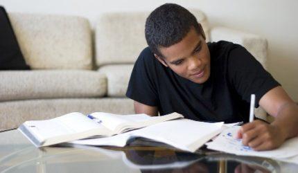 5 dicas para passar em concursos públicos estudando em casa