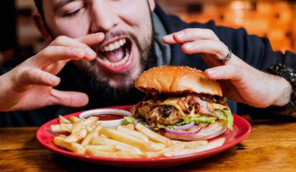 Como comer de graça em redes de fast-food?