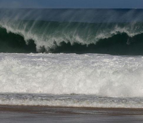 Resultado de imagem para ressaca do mar em são luis