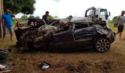 Grave acidente deixa três pessoas mortas na BR 010