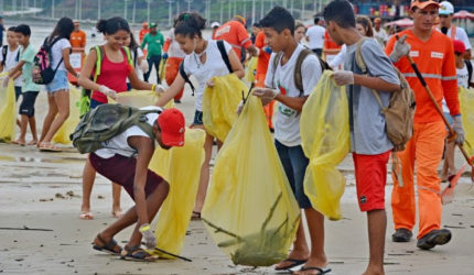 Mesmo com forte chuva, Prefeitura recolhe 37 toneladas de lixo